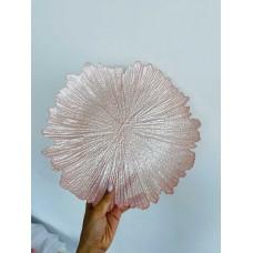 Сервировочная тарелка стеклянная, цвет - розовый, 35см